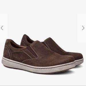 Dansko Men's Viktor Brown Milled Nubuck Sneaker
